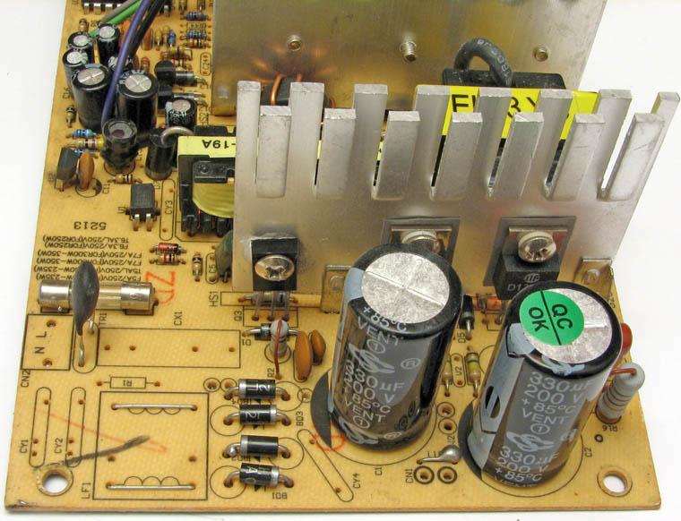 Высоковольтная часть блока питания, вклюсающая выпрямитель, полумостовой инвертор, электролиты на 200 V...